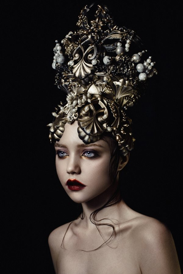 Gold Perl by Ekaterina Belinskaya