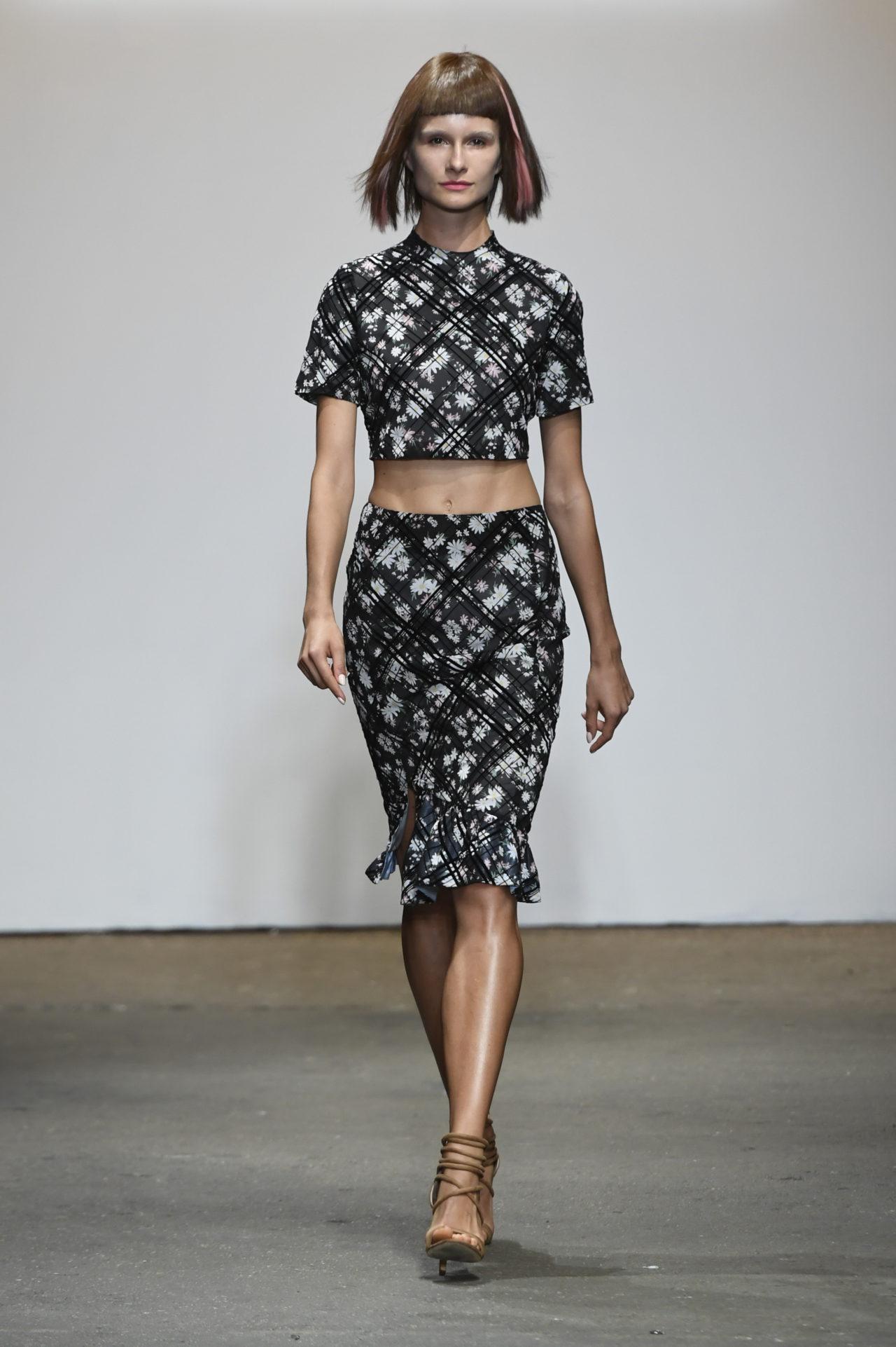 Vivienne Hu Spring/Summer 2017 New York Fashion Week Runway Show