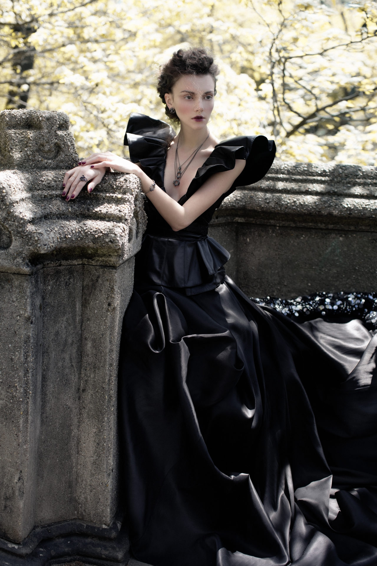 ) Top≤ather skirt - Leka. Dress with sequins- Basix. Neckless, earrings, rings, bracelet - Solomeina