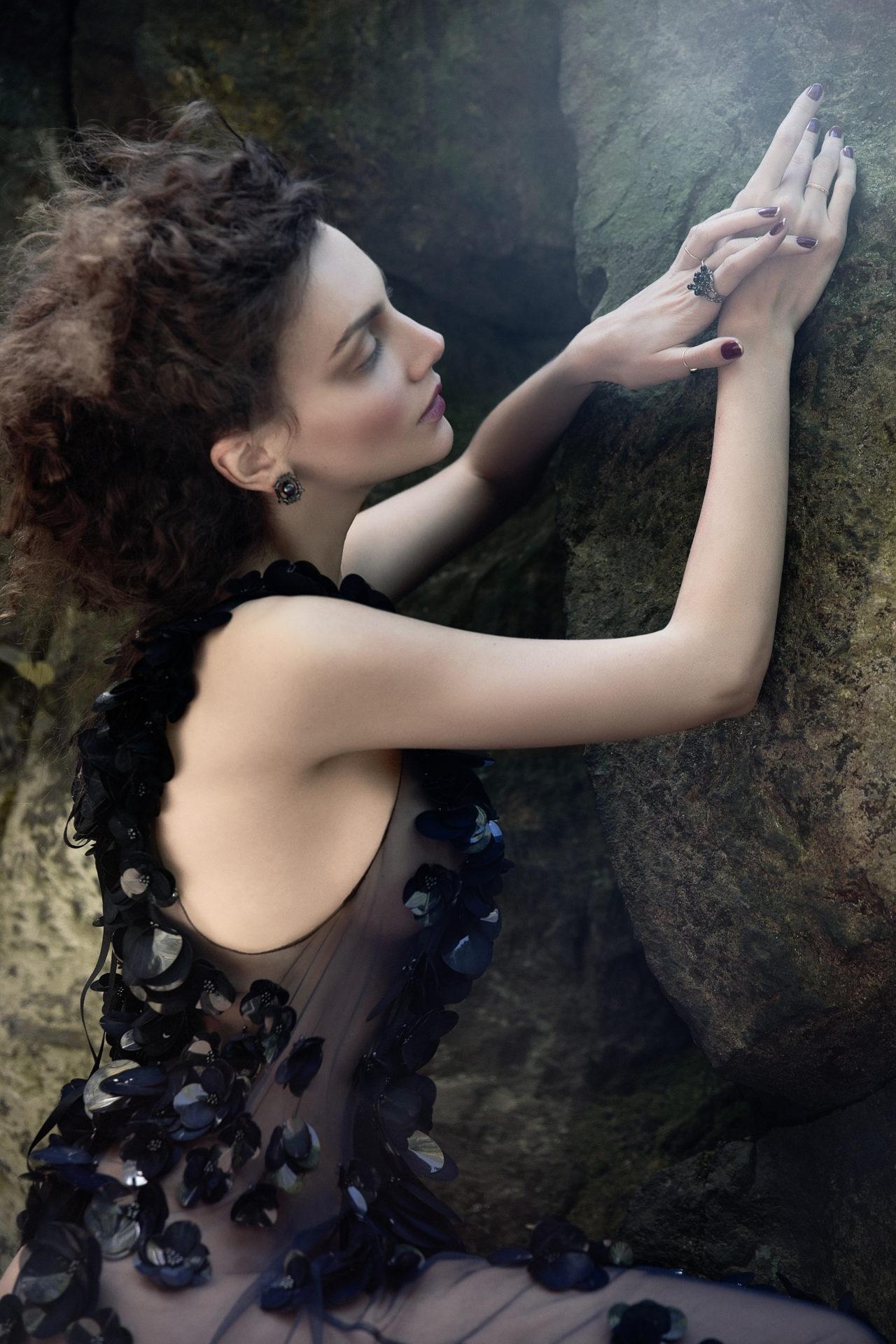 Dress - Bill Blass. Rings, earrings - Solomeina.