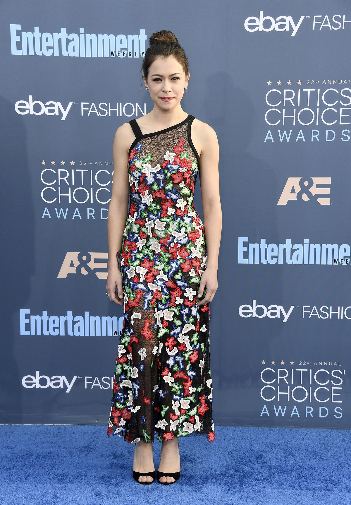 The 22nd Annual Critics' Choice Awards - Arrivals SANTA MONICA, CA - DECEMBER 11: Actress Tatiana Maslany attends The 22nd Annual Critics' Choice Awards at Barker Hangar on December 11, 2016 in Santa Monica, California. (Photo by Frazer Harrison/Getty Images)