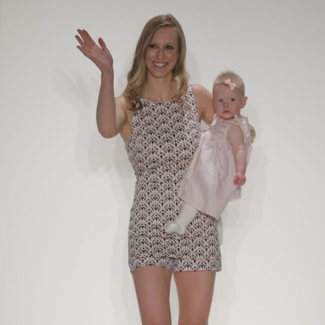 Look23- Kelly & Baby Livia