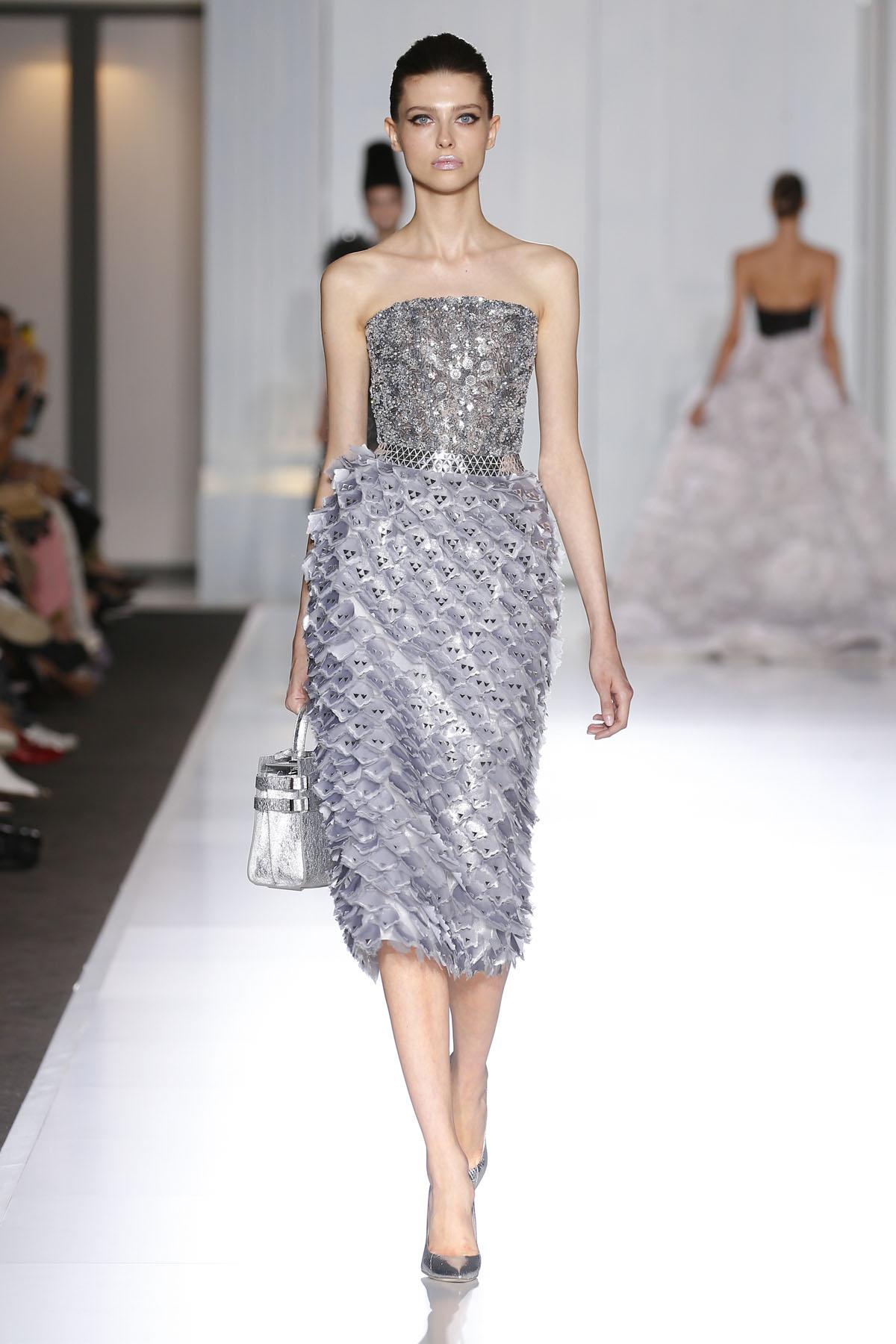 Ralph & Russo : Runway - Paris Fashion Week - Haute Couture Fall/Winter 2016-2017