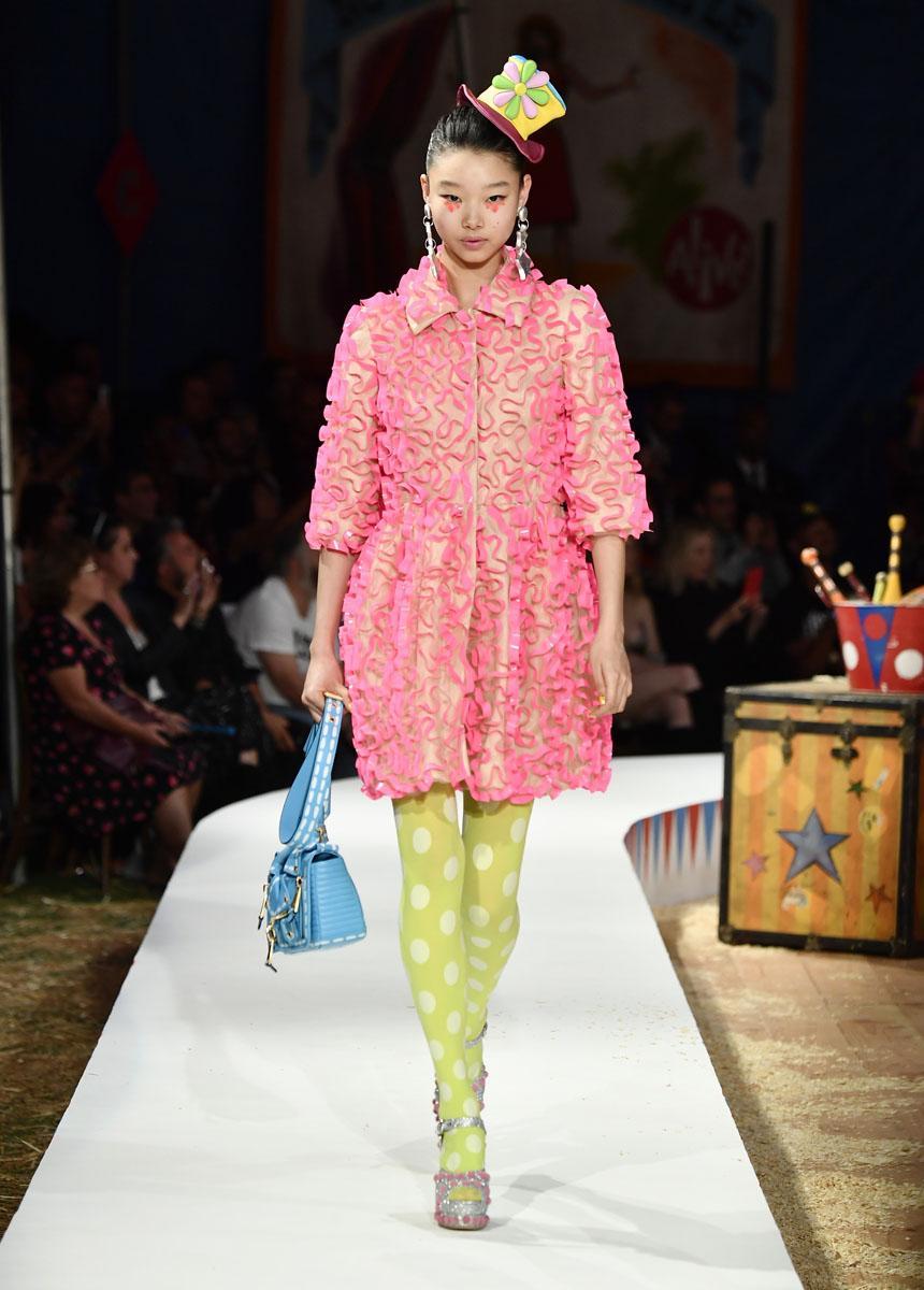 Moschino Spring/Summer 19 Menswear And Women's Resort Collection - Runway